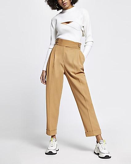 Beige buckle waist peg trousers