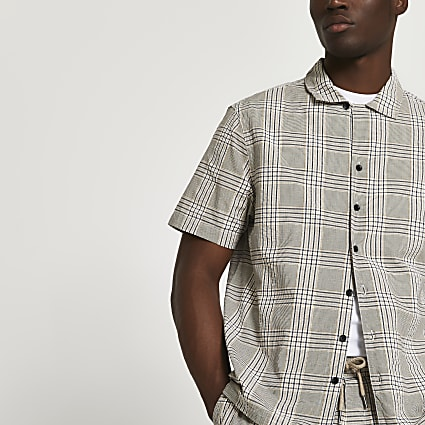 Beige check short sleeve shirt