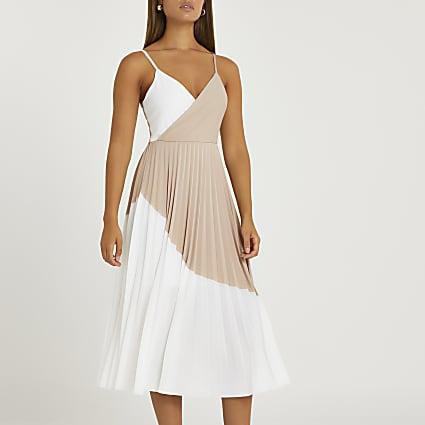 Beige colour block pleated dress