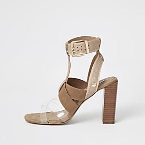 Beige sandalen met blokhak en elastische bandjes