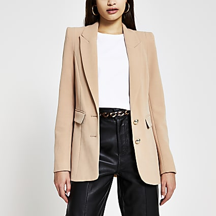Beige fitted shoulder breasted blazer
