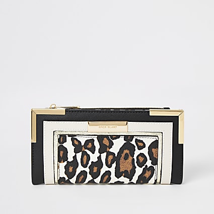 Beige leopard print fold out purse