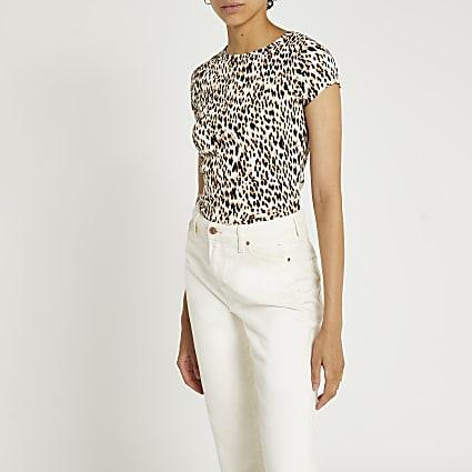 Beige leopard print t-shirt