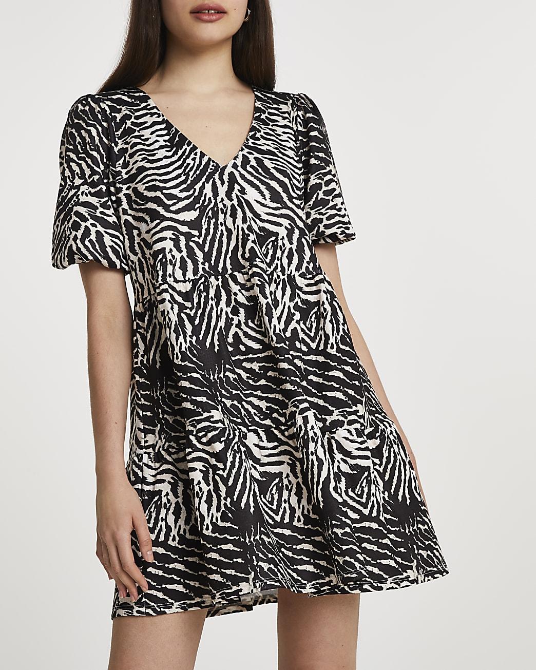 Beige puff sleeve animal print smock dress
