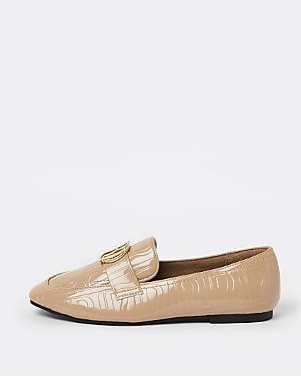 Beige RI monogram embossed loafers