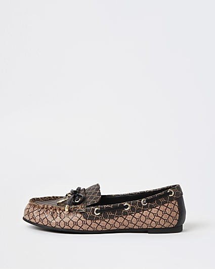 Beige RI monogram loafers
