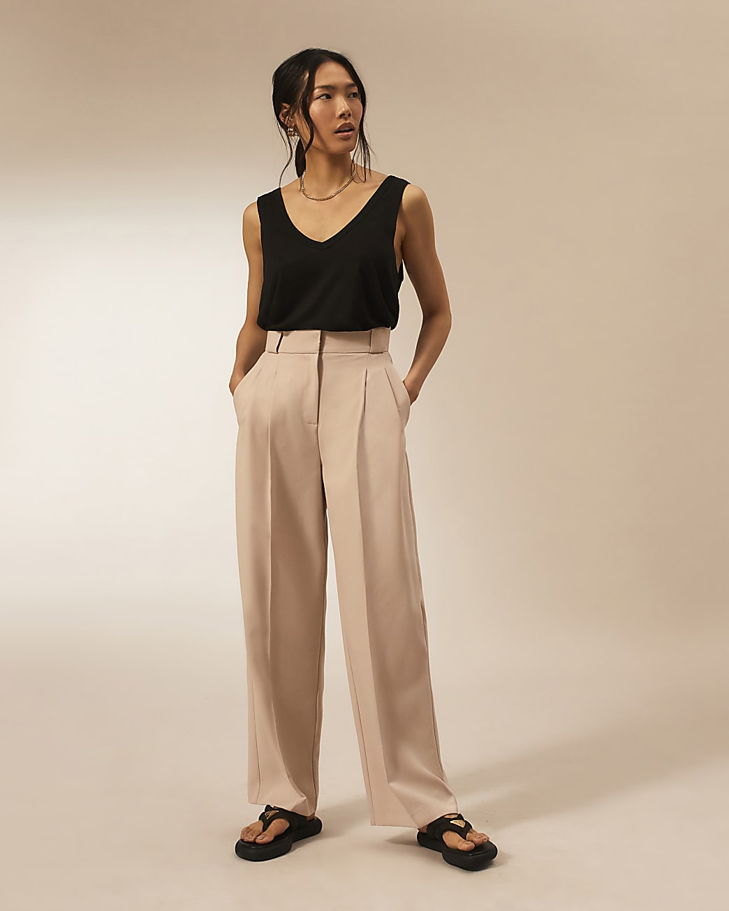 Beige RI Studio straight pleated trousers