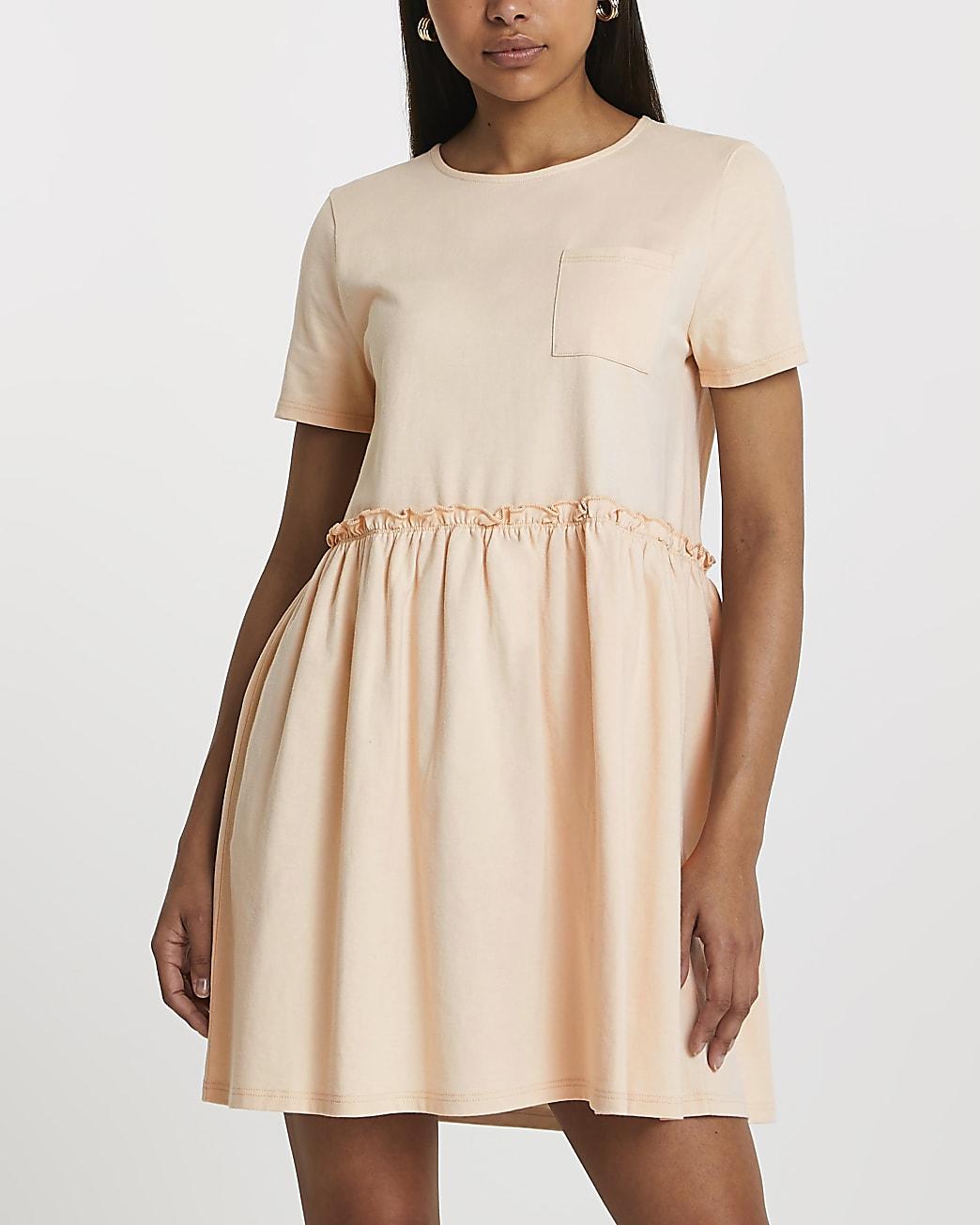 Beige short sleeve pocket t-shirt smock dress