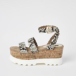 Beige sandalen met bandjes, sleehak en slangenprint