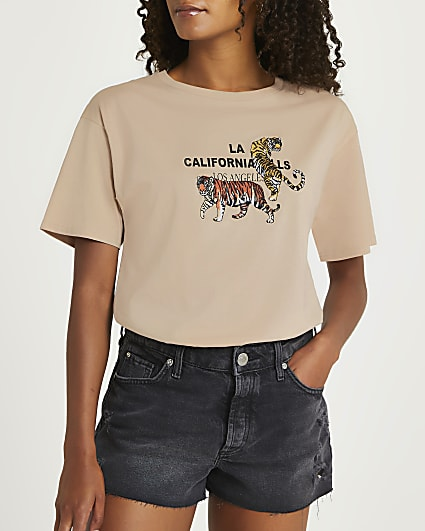 Beige tiger embroidery graphic t-shirt