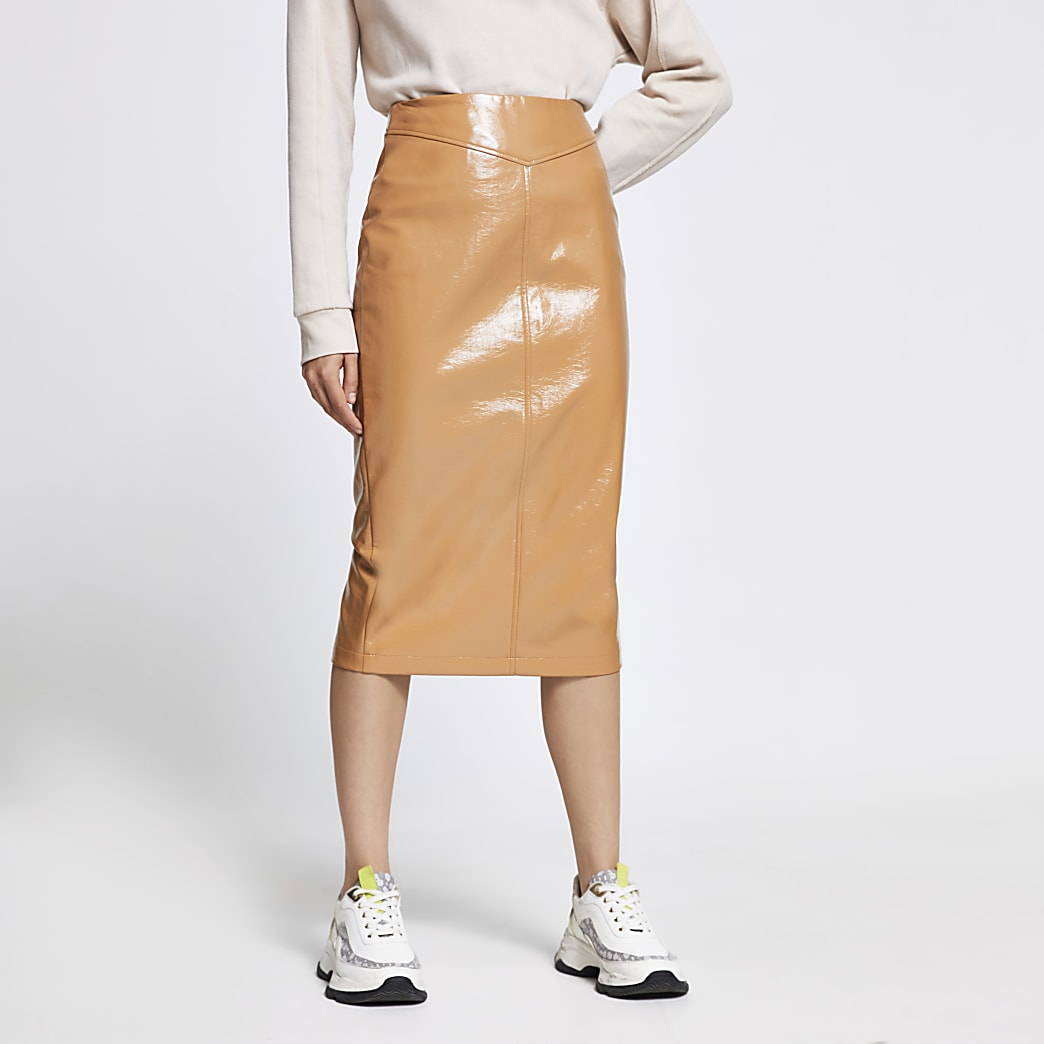 Beige vinyl midi pencil skirt
