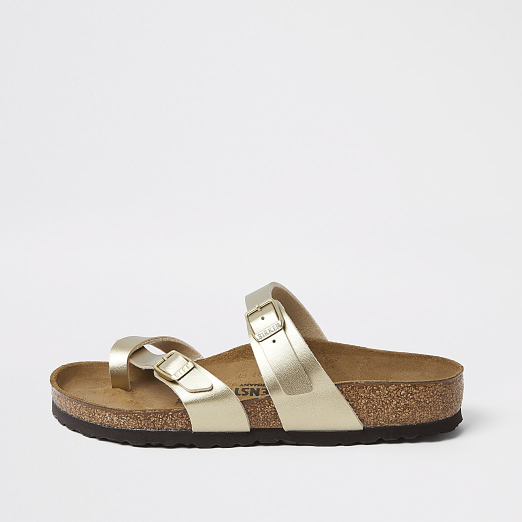 Birkenstock – Mayari – Sandalen in Gold mit Zehentrenner