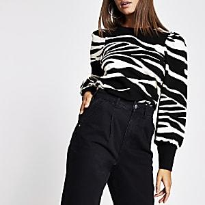 Zwarte sweater met dierenprint en pofmouwen