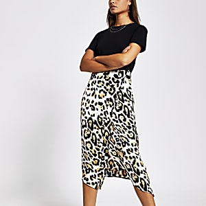 Black animal print short sleeve midi dress