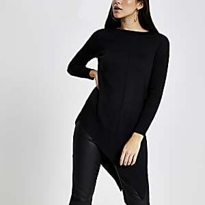 Langärmeliger Pullover in Schwarz mit asymmetrischem Saum