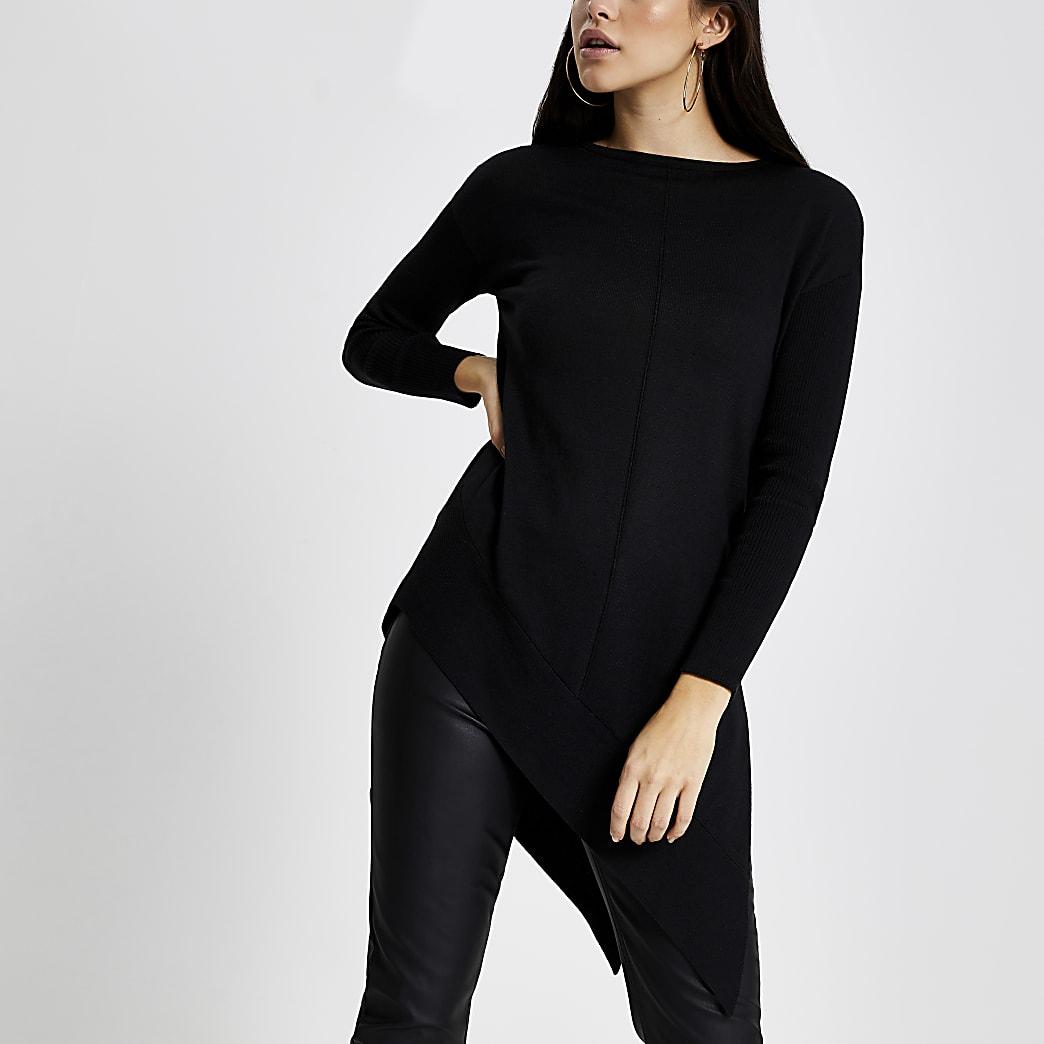 Pull noir à manches longues et ourlet asymétrique