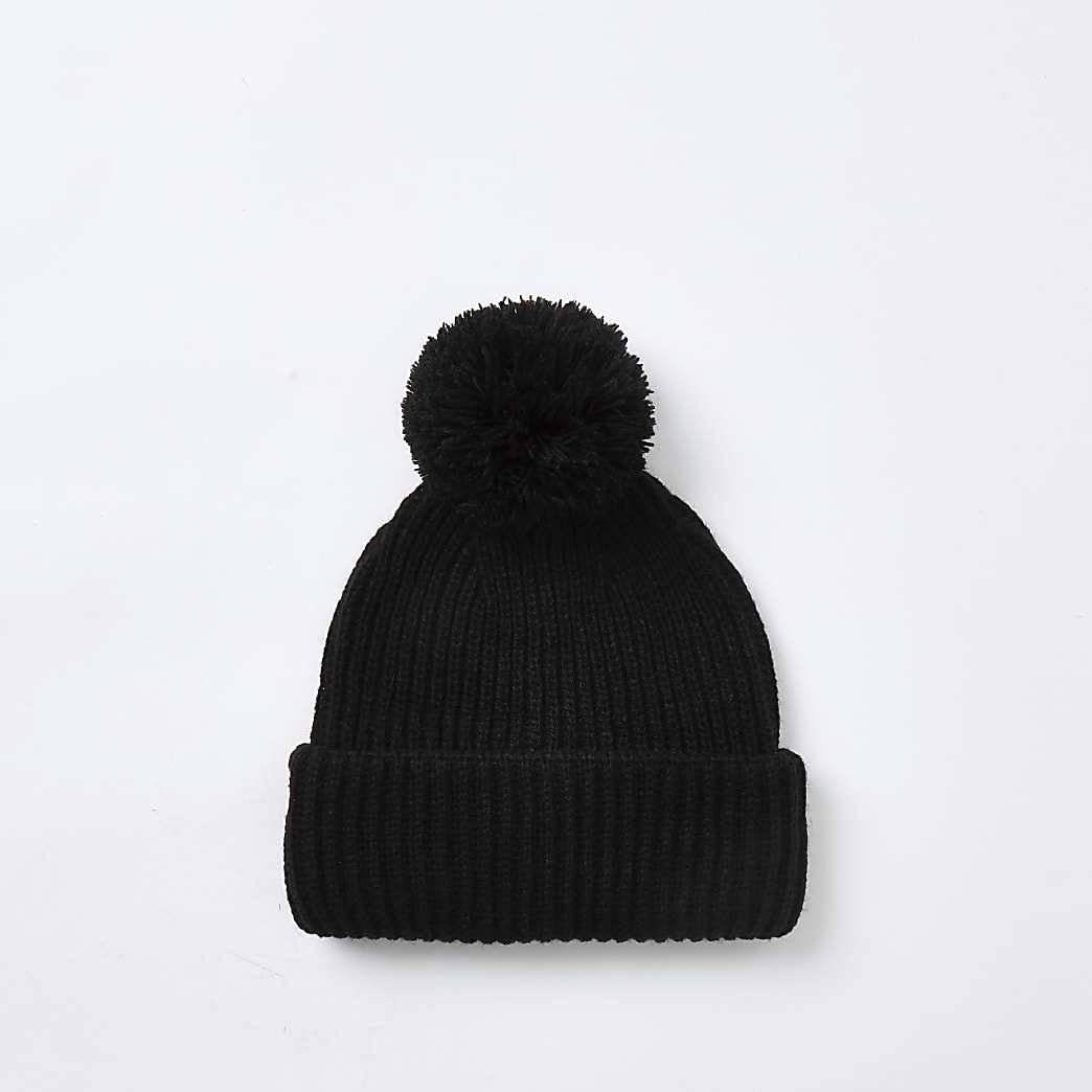 Black bobble beanie hat
