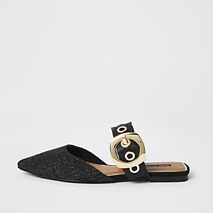Black buckle detail pointed toe shoe