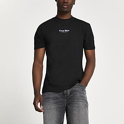 Black 'Carpe Diem' graphic t-shirt