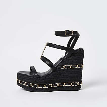 Black chain detail wedges