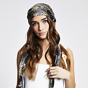 Black chain print headscarf