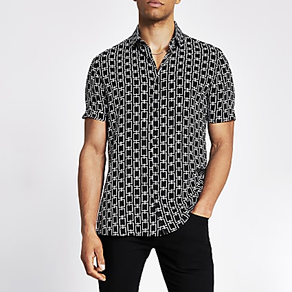 Black chain printed slim fit shirt