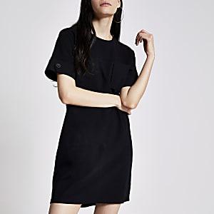 Zwarte mini-T-shirtjurk met borstzak
