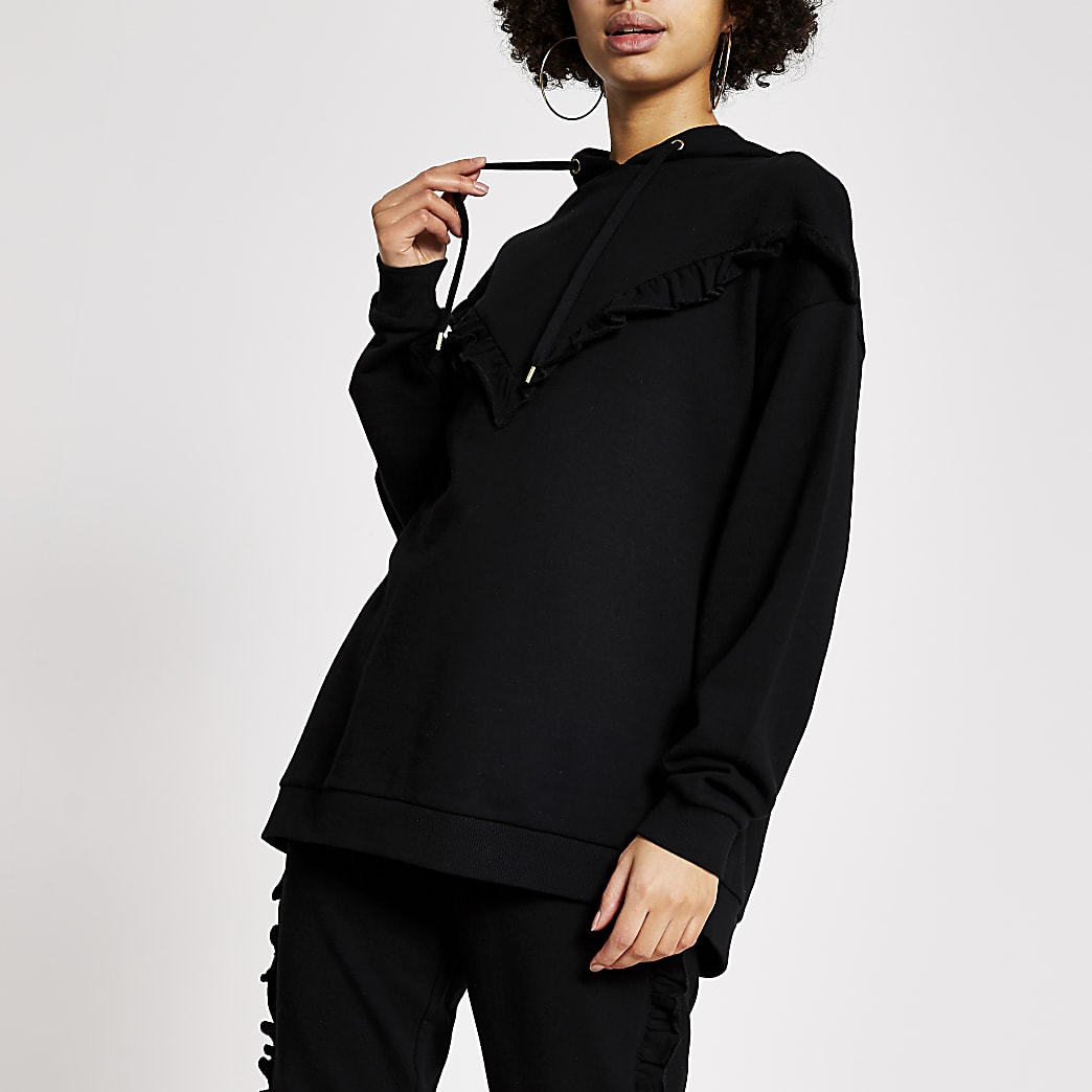 Zwarte geribbelde hoodie met zigzag-motief en ruches