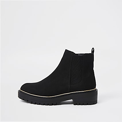 Black chunky chelsea ankle boot