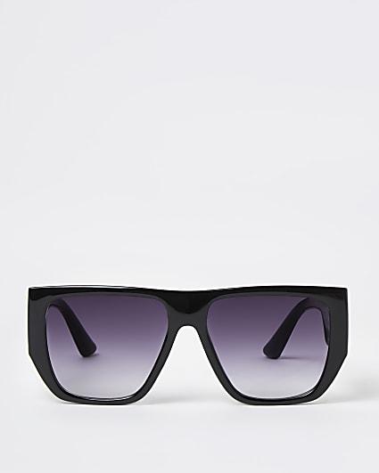 Black chunky frame oversized sunglasses