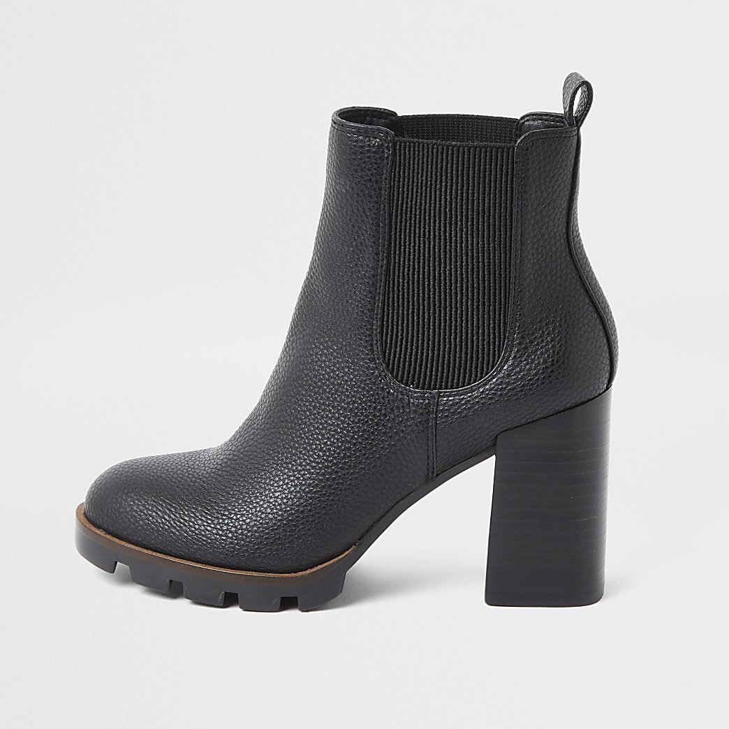 Black chunky heel chelsea boots