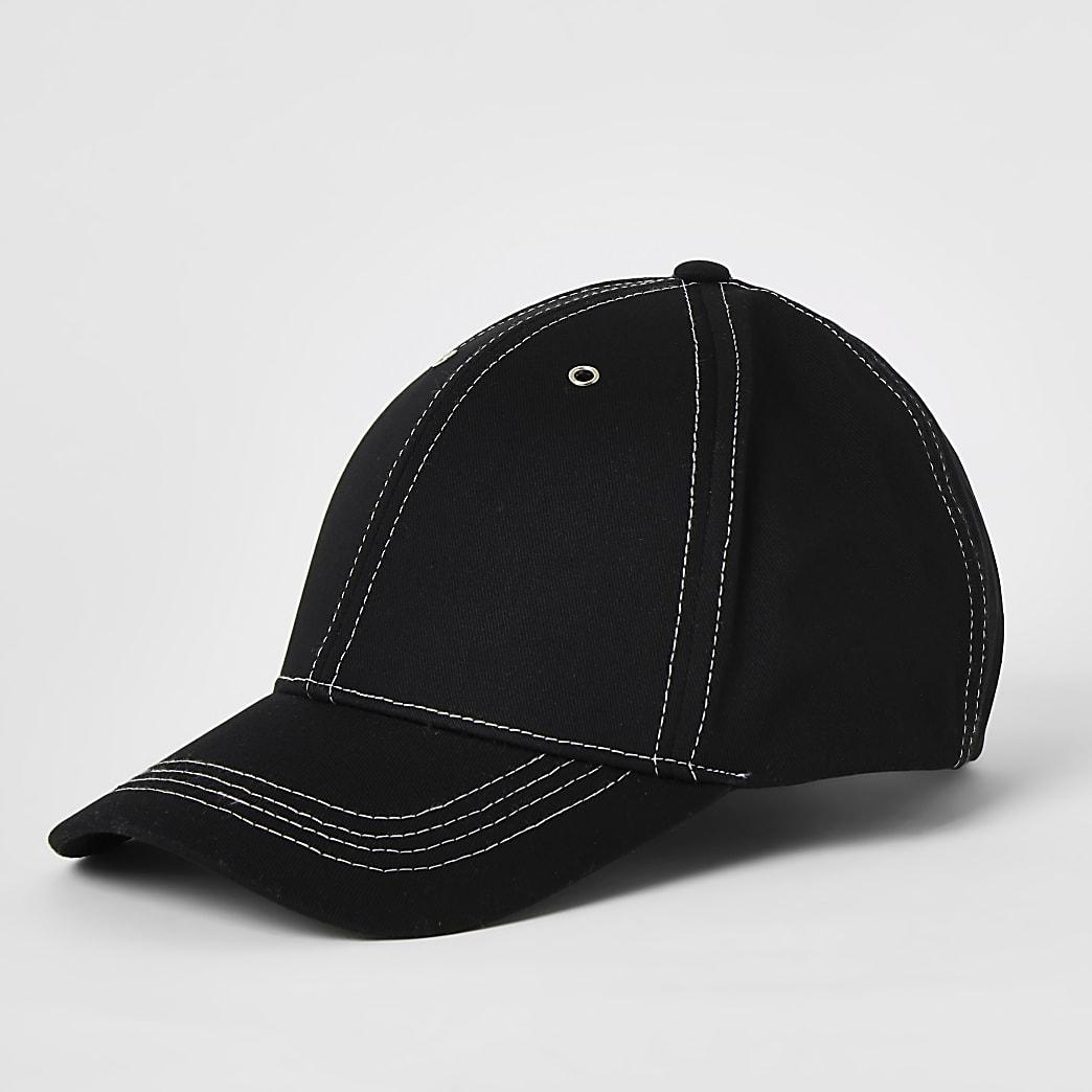 Casquette noire avec surpiqûres contrastées