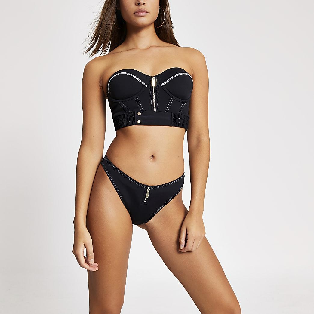 Schwarze Bikinihose mit Kontrastnaht und hohem Beinausschnitt