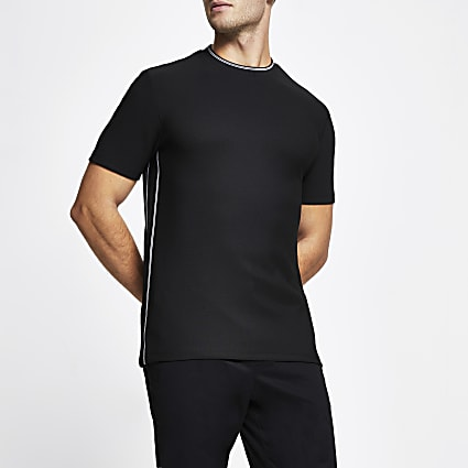 Black ​contrast stitch slim fit t-shirt