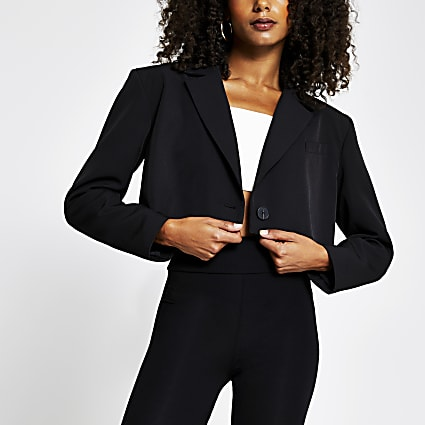 Black cropped long sleeve blazer