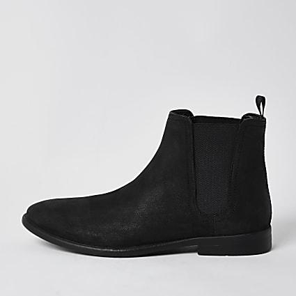 Black distressed chelsea boot