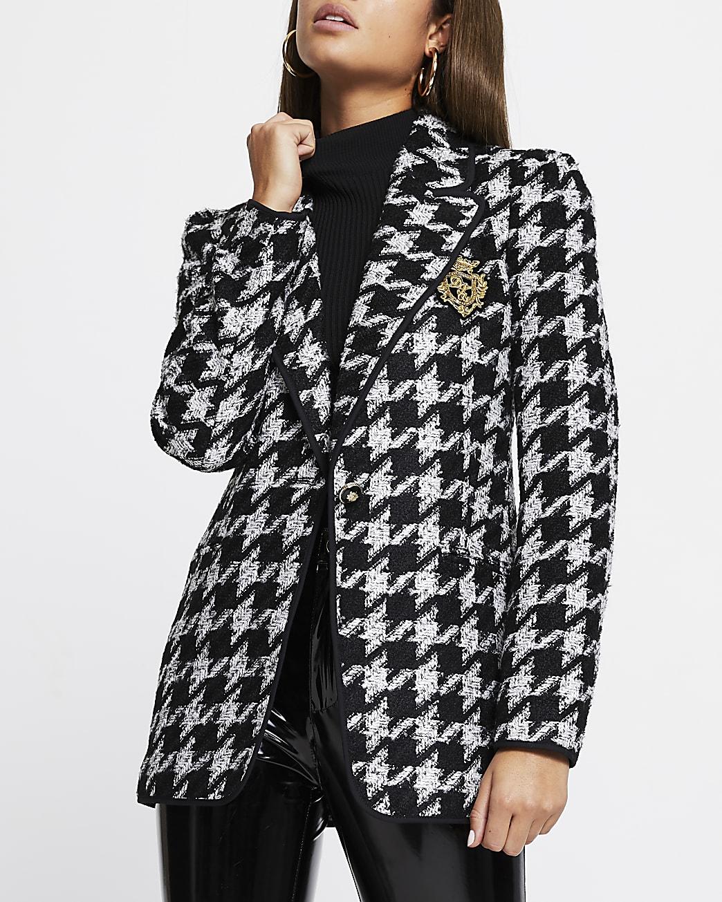 Black dogtooth boucle blazer