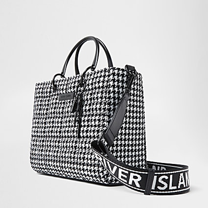Black dogtooth boxy quilted tote bag