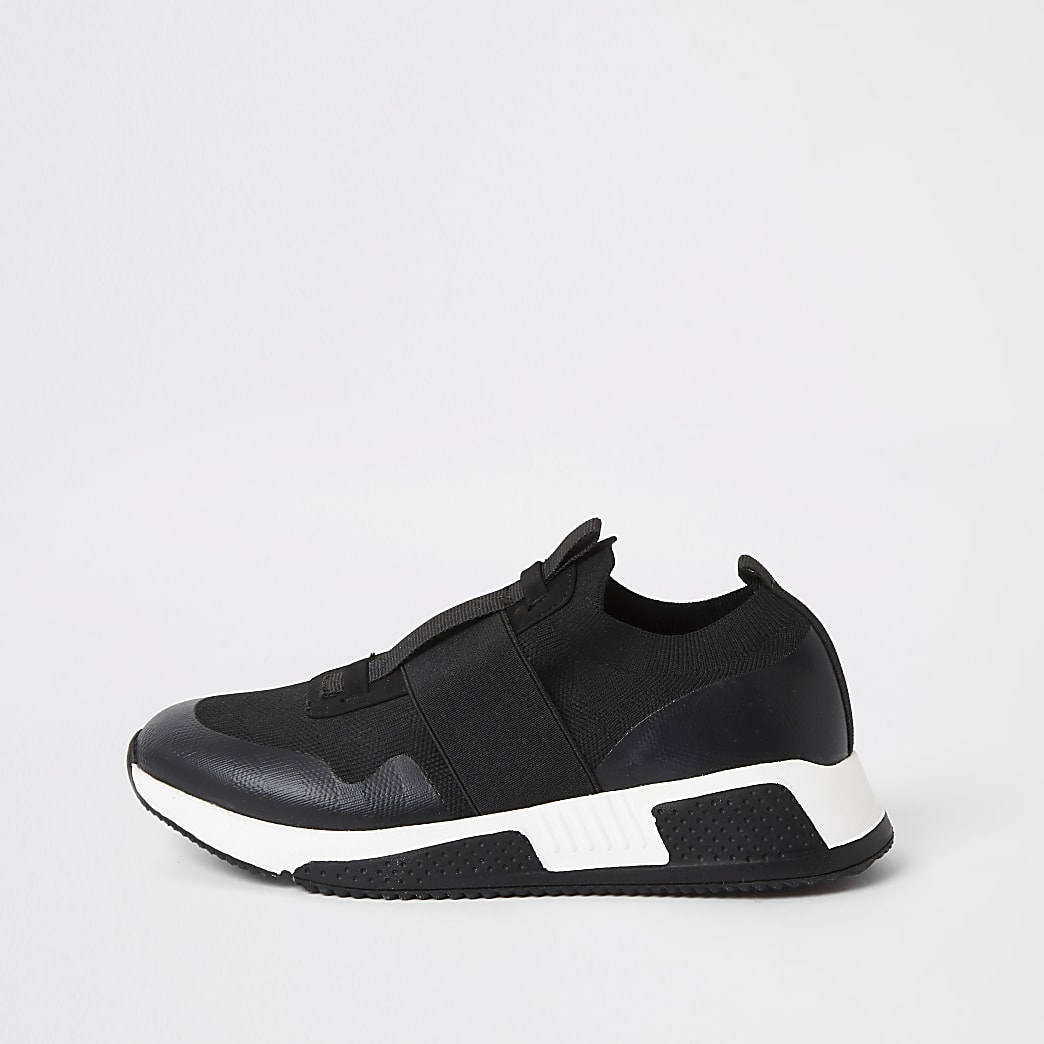 Schwarze Strick-Sneaker mit elastischen Einsätzen