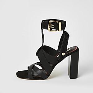 Zwarte sandalen met elastische bandjes en blokhak