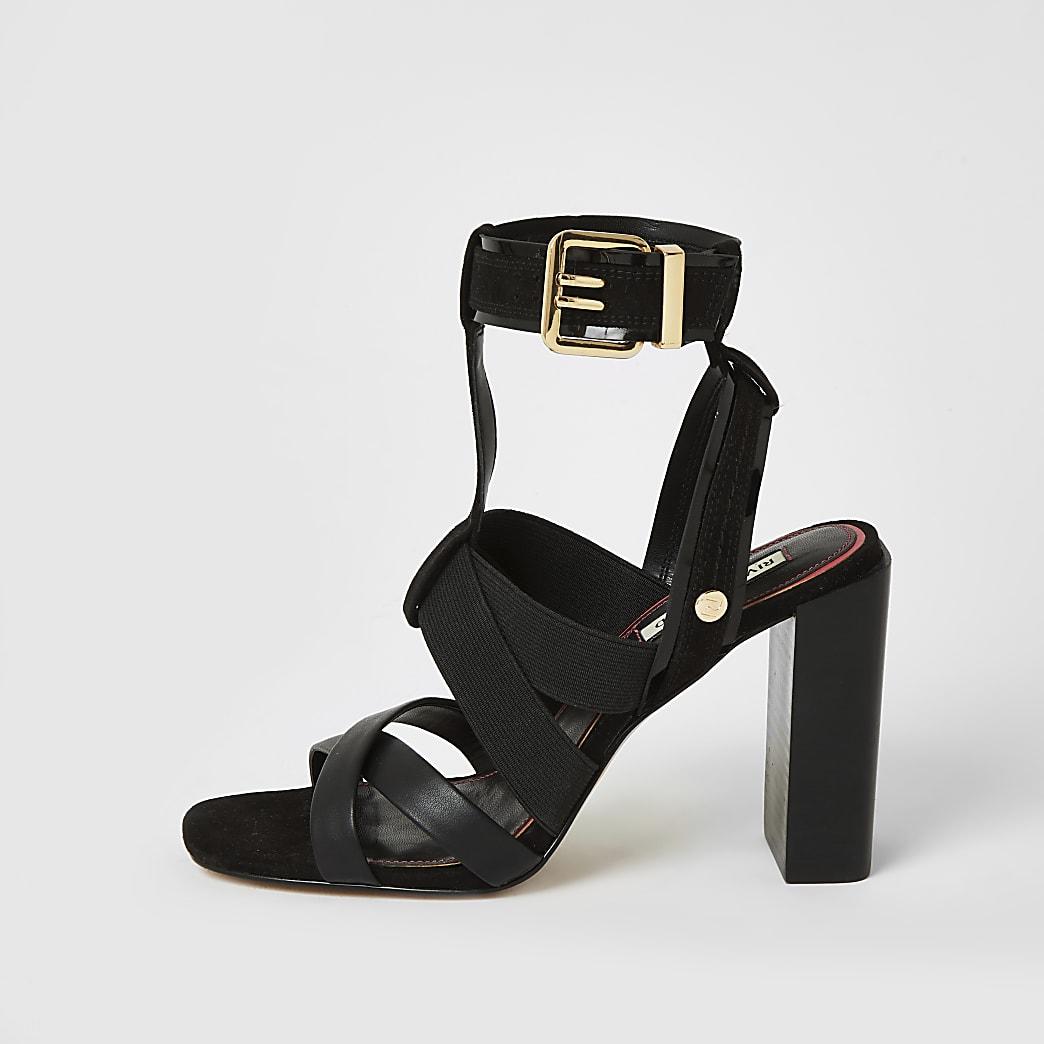 Schwarze Blockabsatz-Sandalen mit Stretchriemen