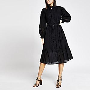 Zwarte geborduurde midi-jurk met lange mouwen