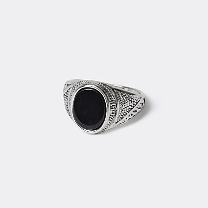 Black engraved round stone signet ring