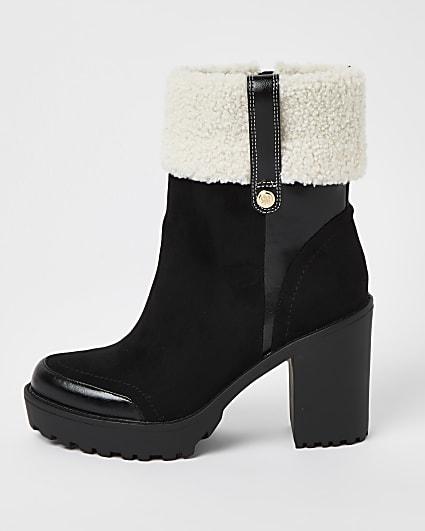 Black faux fur cuff platform boots