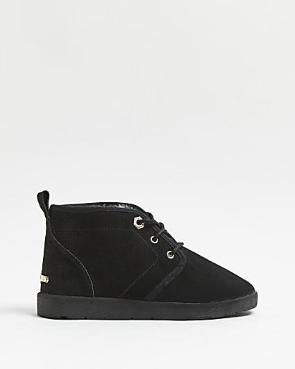 Black faux fur lined desert boots