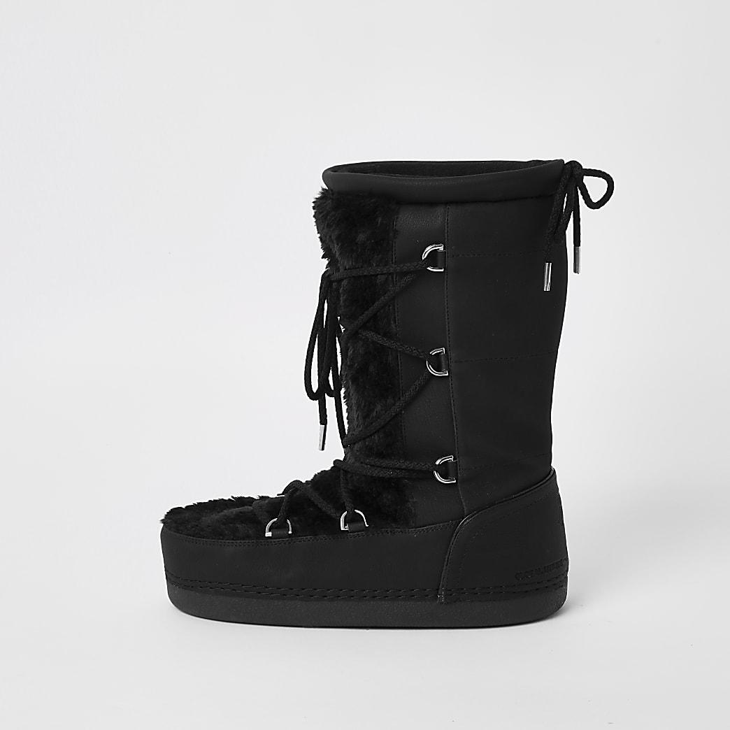 Black faux fur trim snow boots