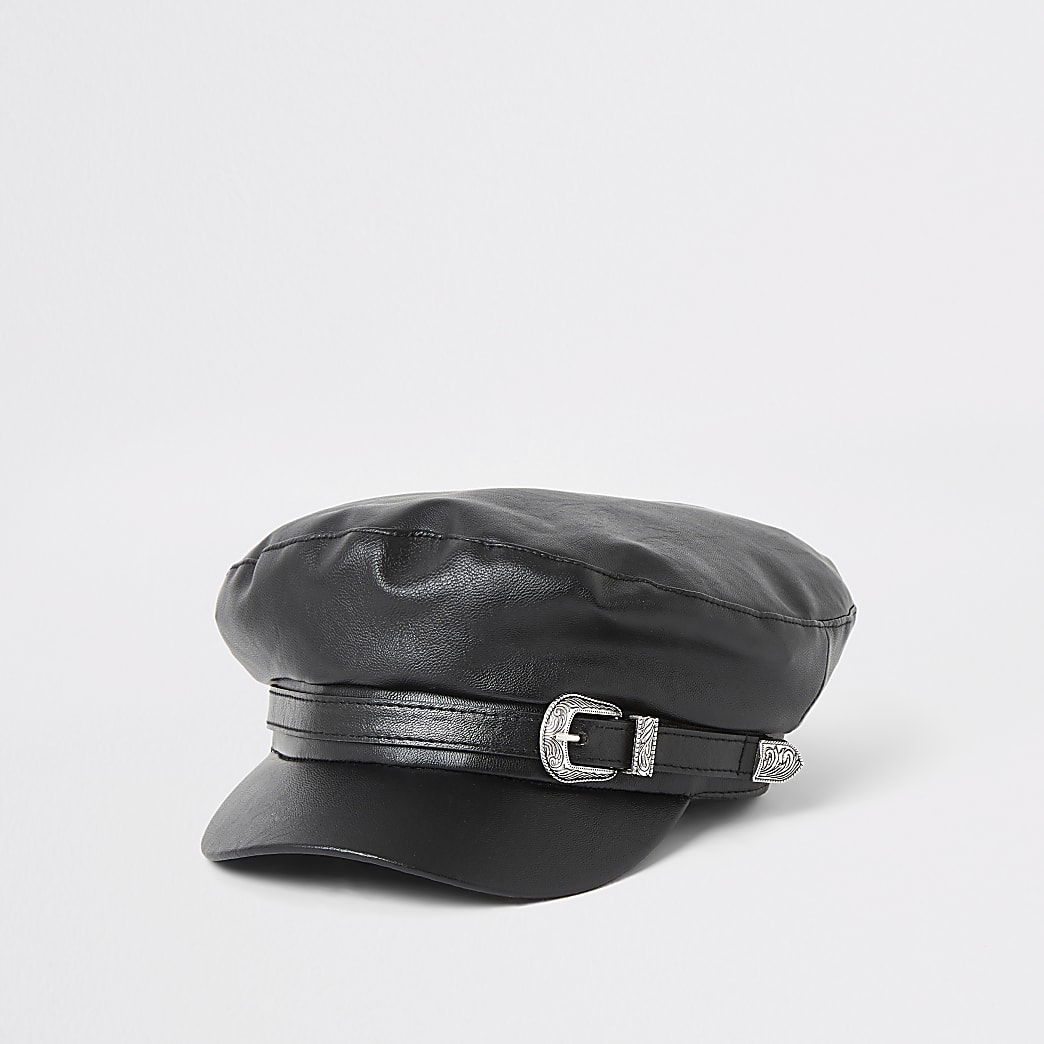 Schwarze Ballonmütze aus Kunstleder