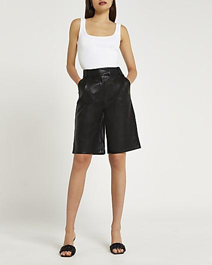 Black faux leather bermuda shorts