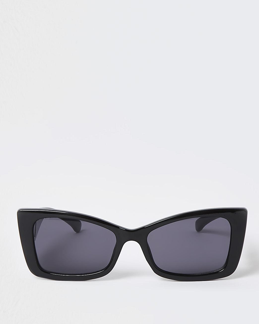 Black flared cat eye sunglasses
