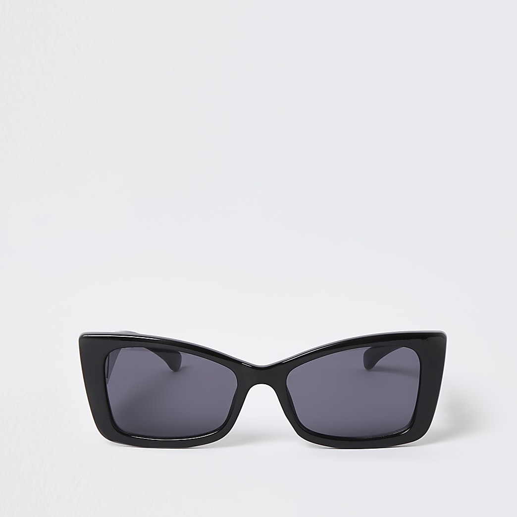 Black flared cat eye sunglasses